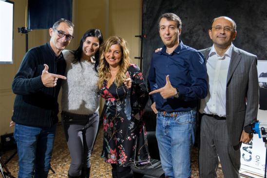 Lo staff di Genova Calibro9 con al centro Lisa Bernardini Presidente Occhio dell'Arte (Medium)